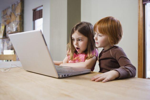efectos-negativos-redes-sociales-ninos-adolescentes-1