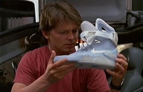 Es oficial! Nike Mag, las zapatillas que se ataban solas en